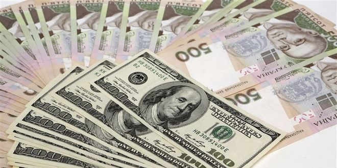 Госдолг Украины в долларах вырос, а в гривнах сократился