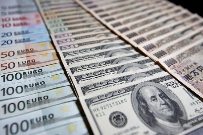 Курс доллара стремительно растет