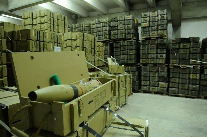 Кабмин выделил деньги из резервного фонда на охрану боеприпасов в Украине