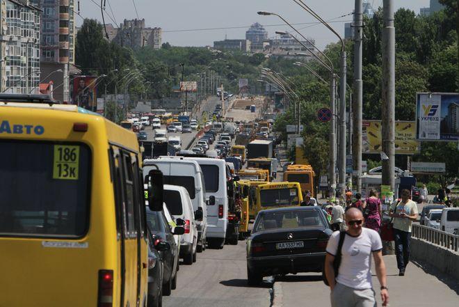 Киевские маршрутки запретят, чтобы освободить место автомобилям
