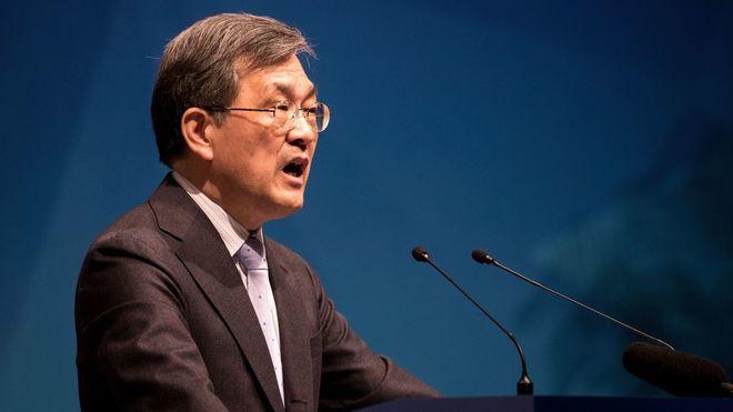 Глава Samsung уходит в отставку
