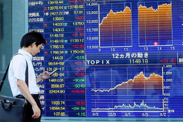 Фондовые индексы Азии достигли 10-летних максимумов