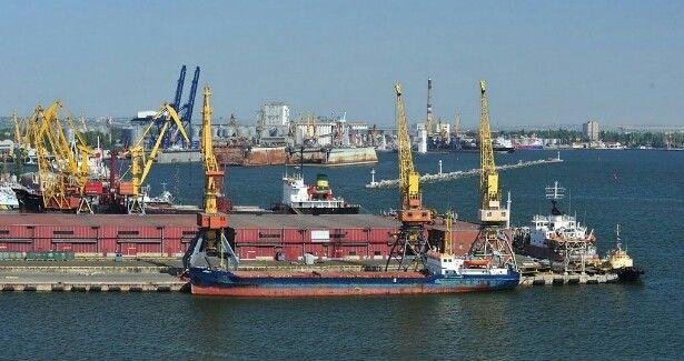 Из-за Керченского моста, упал грузооборот у Бердянского порта