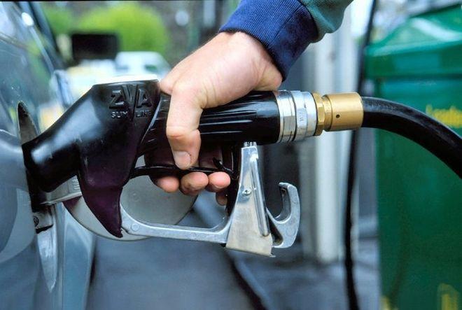 Нелегальные газовые заправщики начали отпускать топливо с колес