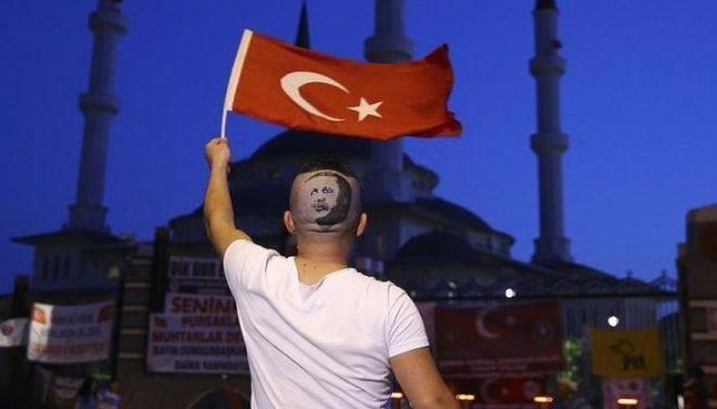 """Турецкие парикмахеры отказались от """"американских стрижек"""""""