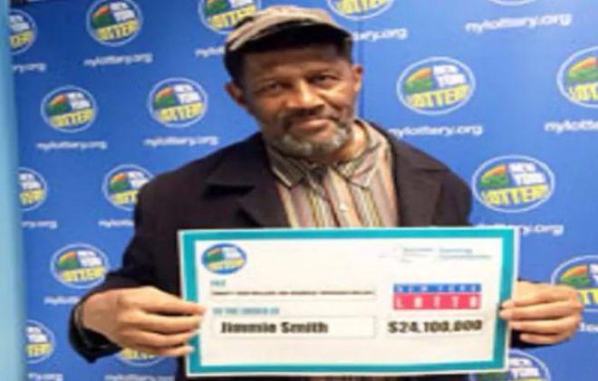 В США пенсионер нашел забытый лотерейный билет на 24 миллиона