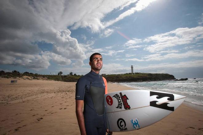 Слепой серфер из Бразилии покорил самую опасную волну в мире