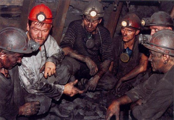Забастовка: горняки отказываются подниматься из шахты без выплаты зарплат