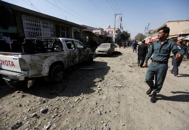 В Кабуле террорист-смертник подорвался в мечети, погибли не менее 30 человек