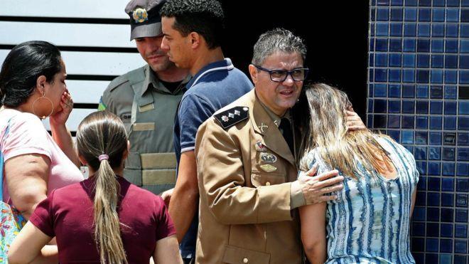Подросток в Бразилии открыл стрельбу в школе, 2 ребенка погибли
