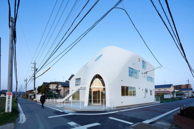 В Японии из жилого дома сделали инновационный детсад