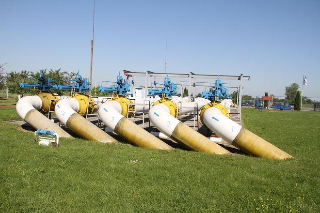 Украина начала отбор газа изхранилищ