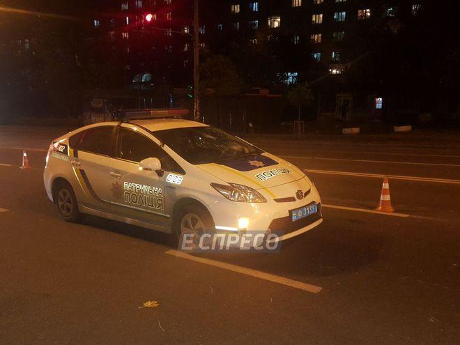 Автомобиль патрульной полиции сбил пешехода в Киеве