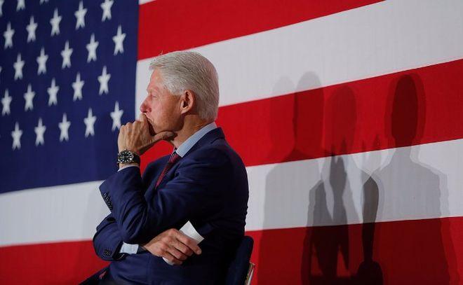 """Билл Клинтон обвинил Россию в """"атаке на всю систему"""" США"""