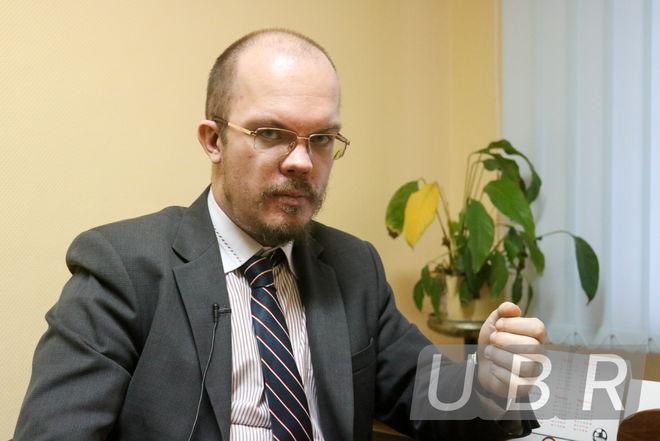 Могут ли украинские банки закрывать счета выходцам из Донецка и Луганска: юрист объяснил