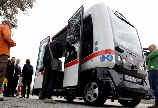 В Германии тестируют беспилотный электробус