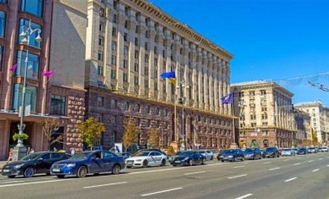 В Киеве запретят парковку на 61 участке улиц: список