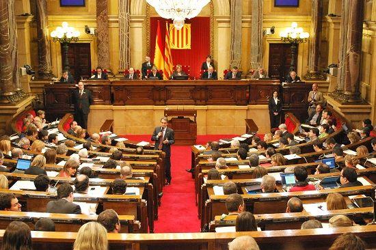 Испания распустила правительство и парламент Каталонии