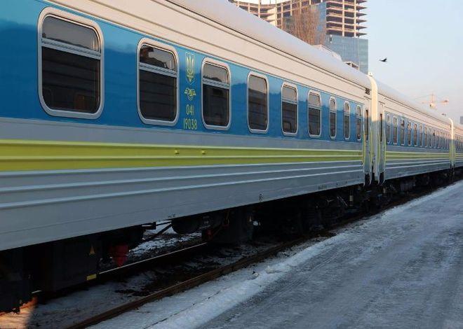"""""""Укрзализныця"""" запустит новый поезд с вагонами-трансформерами"""