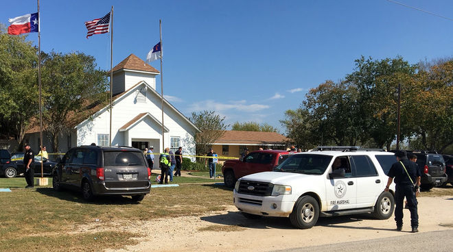 Мужчина в военной форме расстрелял прихожан церкви в США