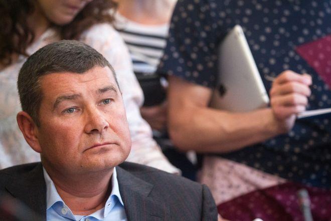 Из «Ощадбанка» исчезли деньги Онищенко