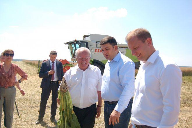 """Гройсман назвал """"отрасль-двигатель"""" украинской экономики"""
