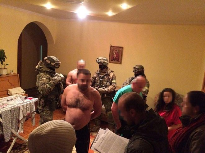 Угоны элитных авто: вгосударстве Украина иГермании идут одновременные обыски