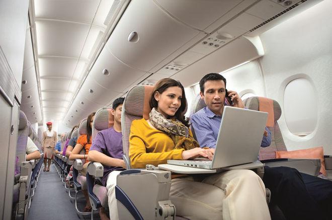 В самолетах МАУ появится платный Wi-Fi: названы цены