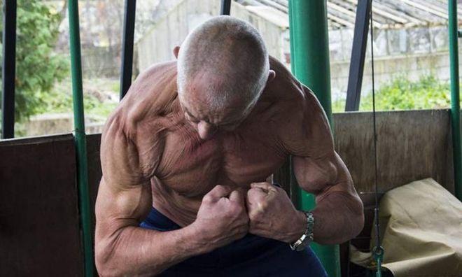 Белорусский дедушка-бодибилдер покорил соцсети