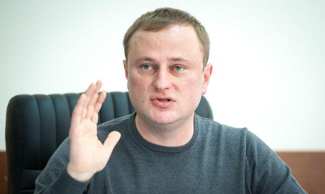 Бензин хотят разбавить спиртом, а платить за это будут украинцы