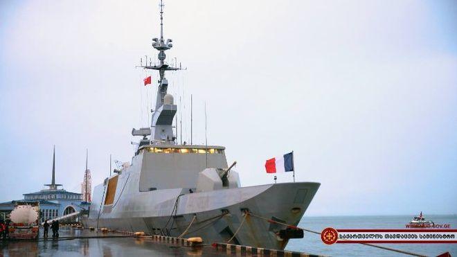 Французский боевой корабль зашел в Грузию
