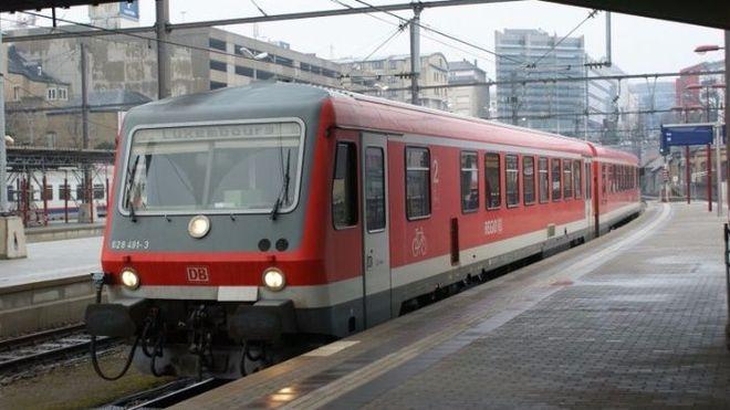 Омелян хотел купить бесплатные пригородные поезда из Германии