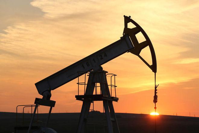Нефть и ценные металлы продолжают дешеветь