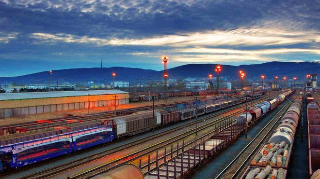 Омелян анонсировал новый транспортный маршрут через Украину