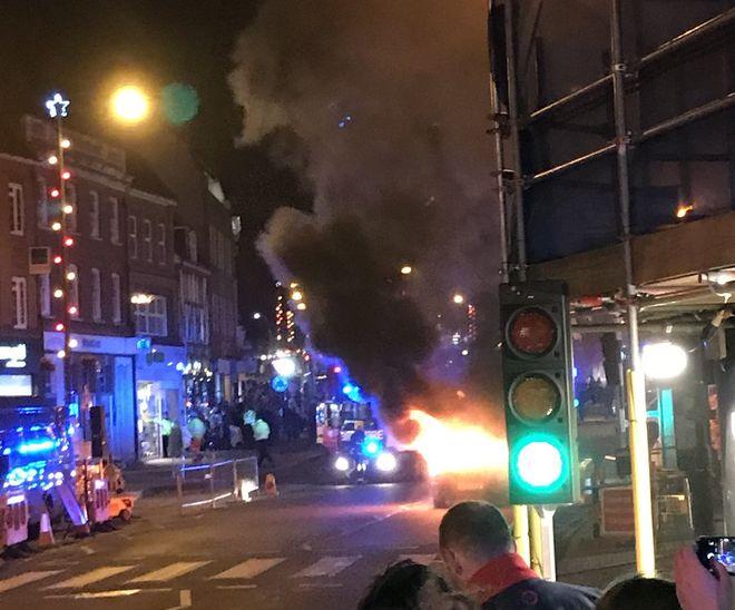 В британском Пиннере прогремел взрыв возле рождественской ярмарки