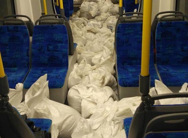 Очередные трамваи Pesa прибыли в Киев с загадочными мешками в салоне