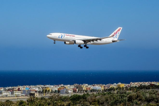 Летать стали больше: вырос спрос на воздушные перевозки