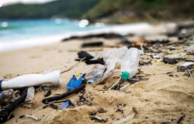 """Британия """"тонет"""" в пластиковых отходах"""