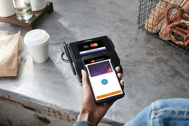 Еще один украинский банк подключился к Android Pay