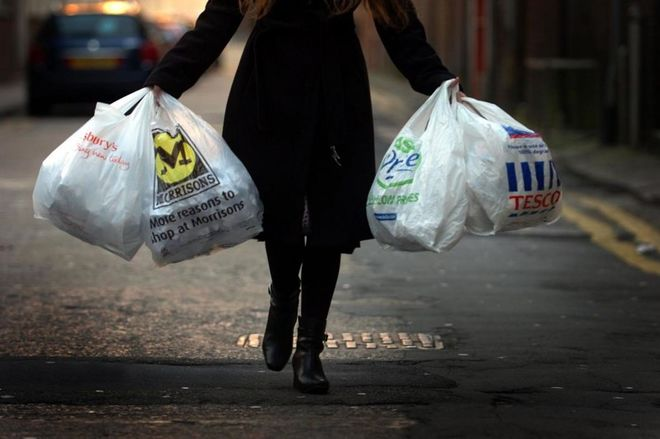 Киевляне требуют запретить полиэтиленовые пакеты – чиновники согласны