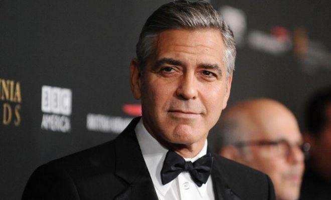 Джордж Клуни раздал друзьям по чемодану с деньгами