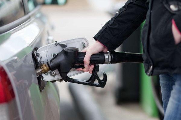 Антимонопольный комитет пояснил высокие цены набензин— Заговор