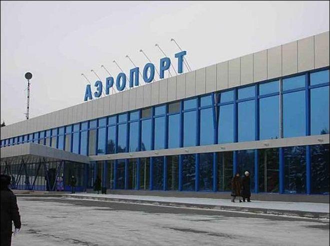 Запорожский аэропорт стал принимать больше пассажиров