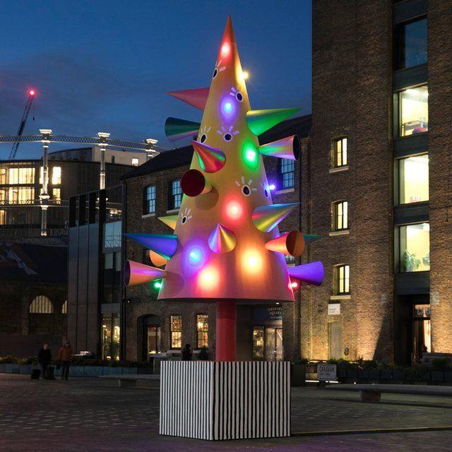 Как выглядят самые красивые рождественские елки в мире