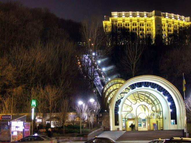 В новогоднюю ночь киевский фуникулер установил новый рекорд