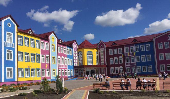 Украина в 2017 году активно строила больницы, школы и детские сады