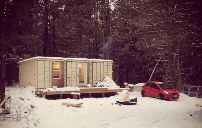 Канадец построил дом из контейнеров, способный выдержать лютые морозы