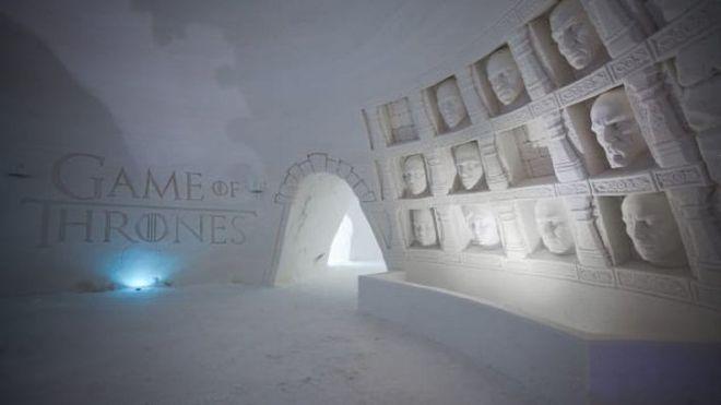 """В Финляндии создали ледяной отель в стиле """"Игры престолов"""""""