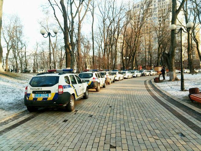 «Реинтеграцию» Донбасса защищал караван полицейских машин