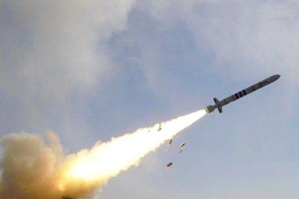 Порошенко приказал приступить к строительству нового ракетного комплекса в 2018 году